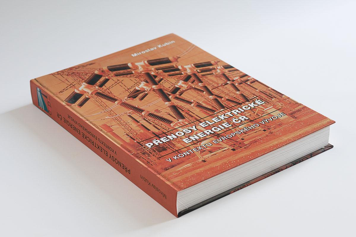 Brožovaná odborná kniha: Přenosy elektrické energie ČR v kontextu evropského vývoje